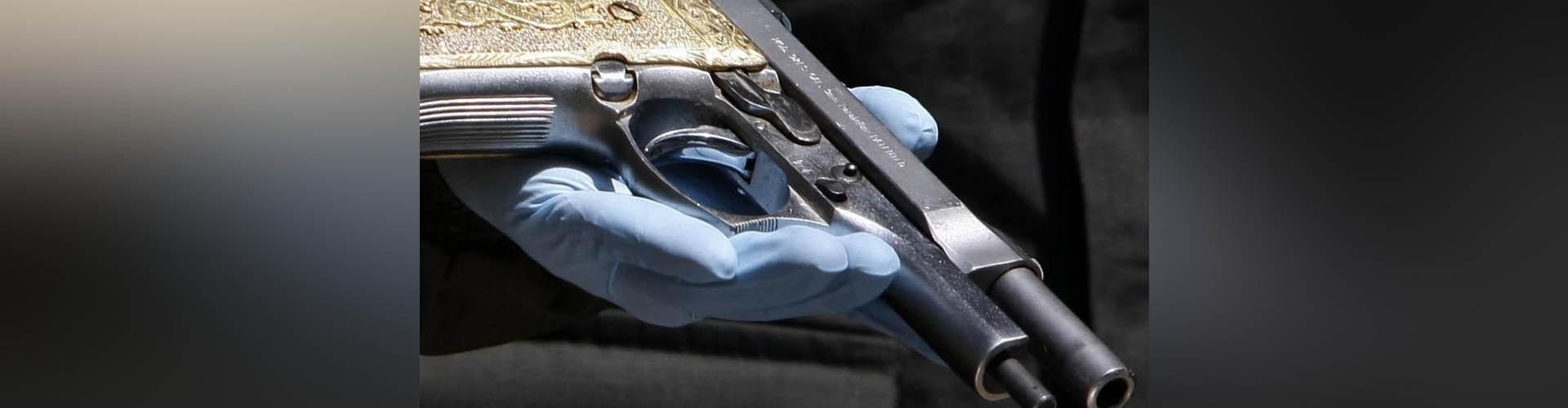 Adolescente mató a su mamá accidentalmente mientras jugaba con una pistola y del dolor se suicidó